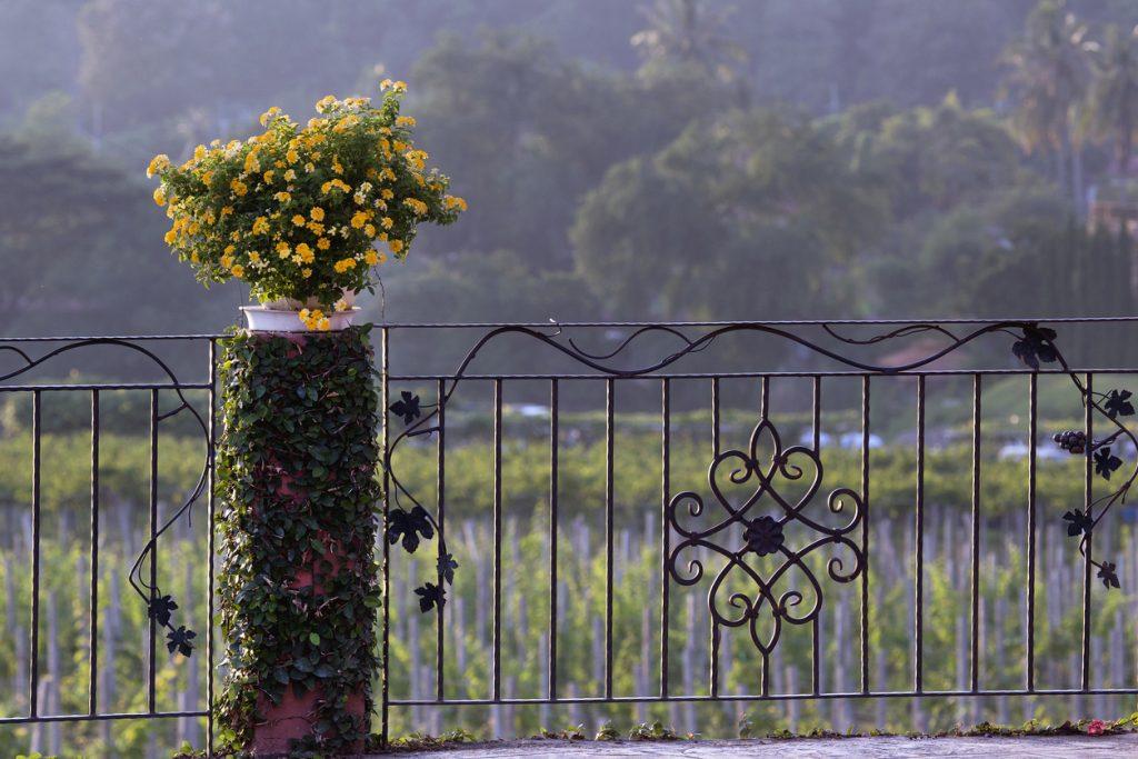 deck-railings